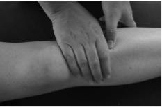 Here is a beautiful acupressure point you can use to build your energy by restoring and regulating your digestion. Use this point twice daily by applying pressure to both sides for 3 minutes. Best used with moxa.